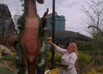 Dinosaurs in Niagara Falls, Ontario Canada